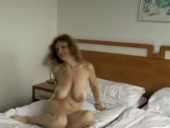 Brunette sexually available mom with hanging tits