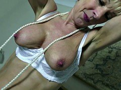 Old but still hot granny with old hungry cunt