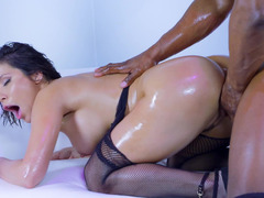Awesome oiled domme gets blacked by brutal guy who can