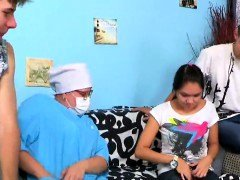 Dude assists with hymen physical and also having an intercourse of virgin sweetie