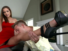 A Latina that has a hot butt is getting grabbed in the video