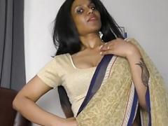 Aunt Bangs Nephew (Hindi) roleplay