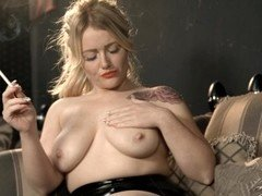 Lizzie Murphy - Rubbing Baby Oil On Her Breasts While She Smokes
