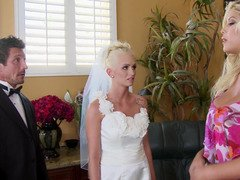 Immature bride and besides the wedding planner enjoy huge cock together