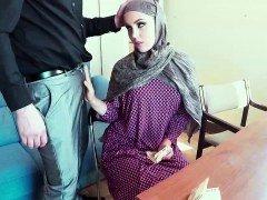 Shy Arab stuffed with a swollen purple pole inside her mouth