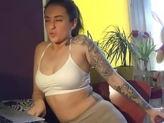Hot babe farting