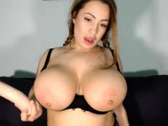 slut sashablacky flashing breasts on live webcam