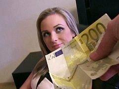 Czech bitch loves money