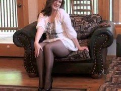 Sexy Mom i`d like to fuck getting off in seamless pantyhose