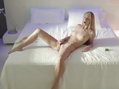 Girls - Angelica - Capture the Moment