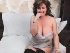 Amzing large boobs amateur porn webcam