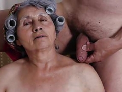 OmaHoteL Grandma Pics Gallery Slideshow