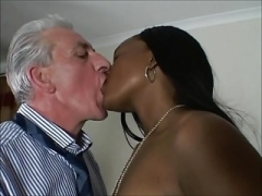 Brit ebony Honey