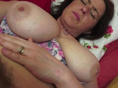 British hairy housewife playing with herself