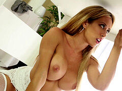 Capri Cavalli - masturbating Table (FULL Version)