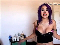 Luna Bella buzzed on cam