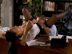 Secretary Vicki Chase has an affair with her boss
