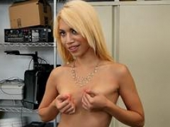 Latin whore is banged hard by horny director at job audition