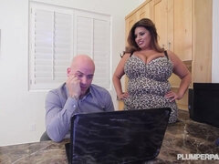 BBW Sofia Rose Gets Fucked Hard On The Job