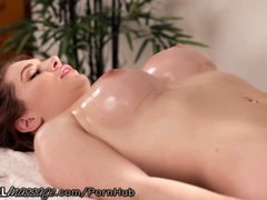 AllGirlMassage So good she Squirts