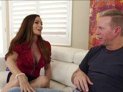 Stacked MILF seductress Diamond Foxxx Intense anal pounding