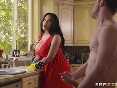 Half-naked stepmother flashes pussy to seduce stepson