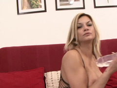 Sexually available mom Klarisa Leone double penetrated like a bad girl