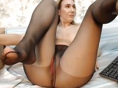 Orgasm in tights!