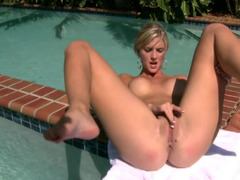 Boobalicious blonde relaxes herself with outdoor cunt massage