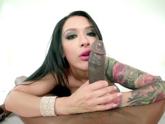 Tattooed whore analyzed by black bulge in nice POV video