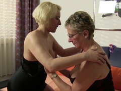 Amateur German Swingers Are Getting Naughty (mature moms Erna & Oda Amelie)