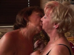 A special mature groupsex party goes nasty