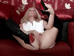 Dirty blonde chick Frankie wanks in sexy black leather boots