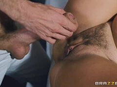Slim Tricky Masseur Wants To Fuck Chubby Tanned MILF