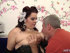 Plump Buxom Bella gets eaten out and pounded