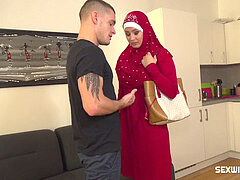 dude penalizes his tardy muslim girlfriend