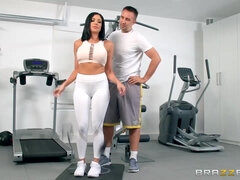 His cheating brunette wife Jaclyn Taylor squats on my dick in gym!