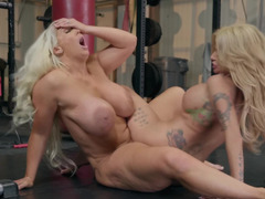 Alura Jenson and Joslyn James take outfit off for lesbian coition