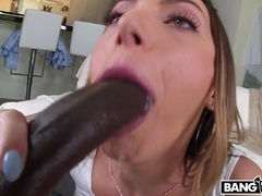 Juelz Ventura satisfies her anal craving.