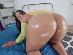 Porn video of curvaceous Latina stunner enjoying big cock in twat