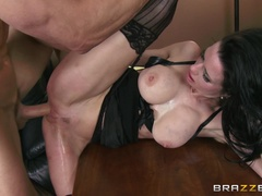 Big Tits at Work (Brazzers): Show Me Who's Boss