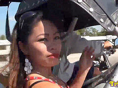 petite Filipina licks glue of bold foreign tourist after rundown in trike