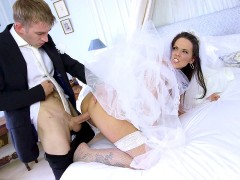 Cock hungry bride Simony Diamond taking monster cock in her both holes