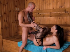 Sensual Footjobs in Tub & Sauna