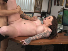 Inked broad riding her boyfriend's thick pecker like a total whore