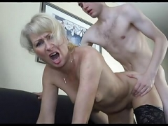 18y Boy Pick A Aroused Mom