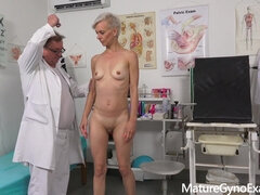 Warm Milf Belinda Bee Vicious Gynecology Examination