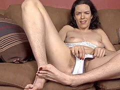 gross lady With hairy Pussy