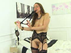 British hairy housewife Josie playing with herself