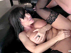 LiveGonzo Lisa Ann buxom Mature superslut Gets Down and messy